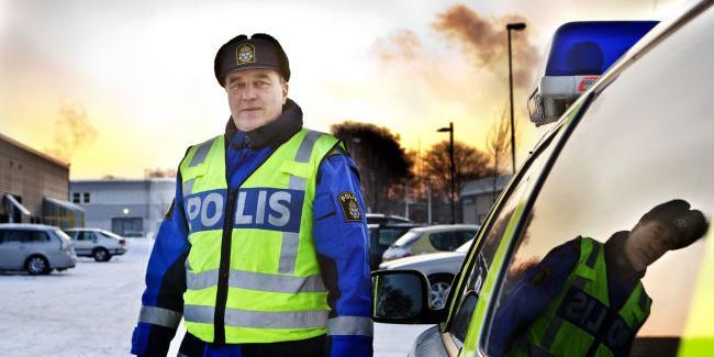 """Bli hemma"""" – polisens råd till julfirarna  611d19caa22a5"""