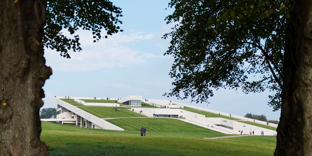 Bara arkitekturen gör MOMU värt ett besök.